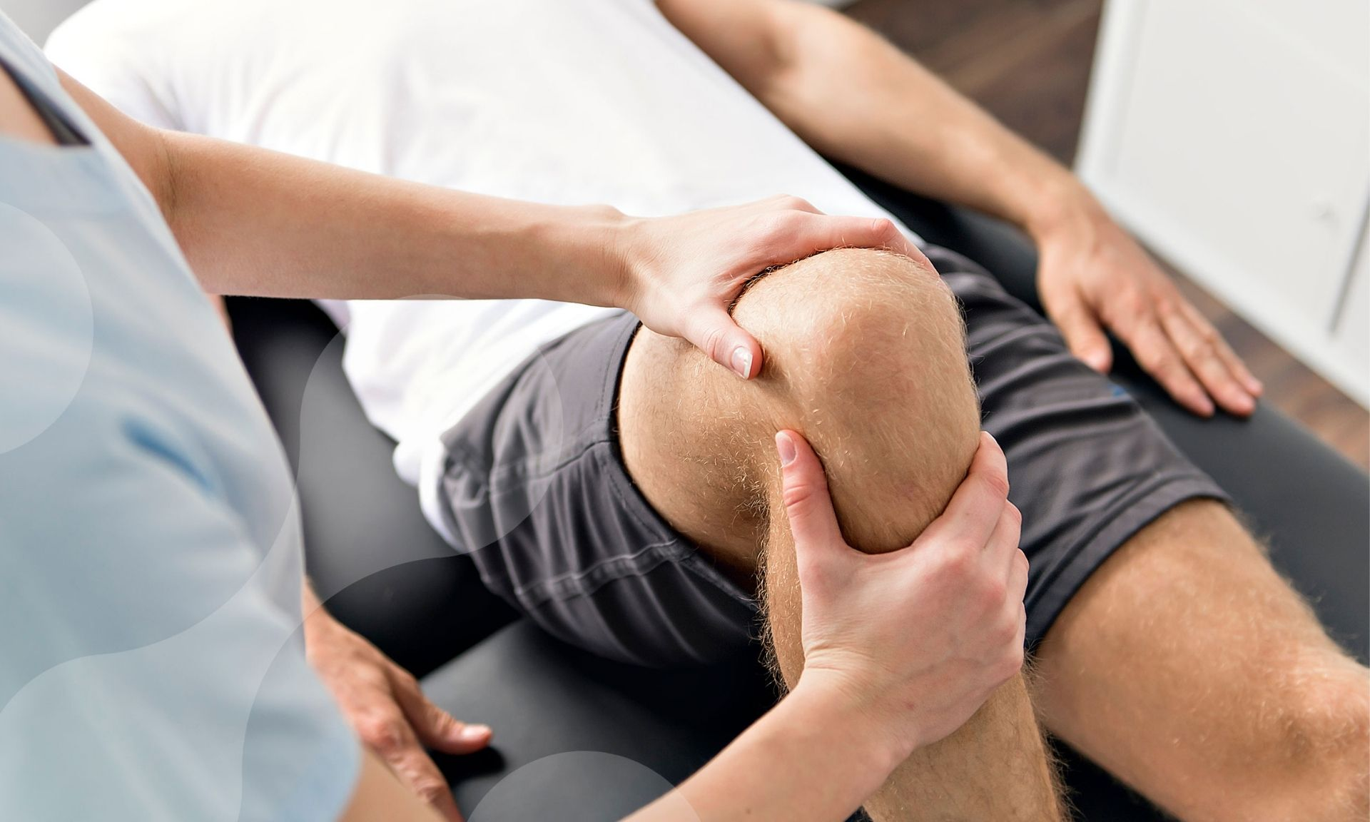 cbd oil for pain article top image visualizes physiotherapy session